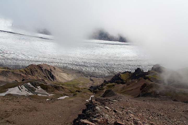 Looking down on the Skaftafellsjökull from the col between the upper and the lower summits