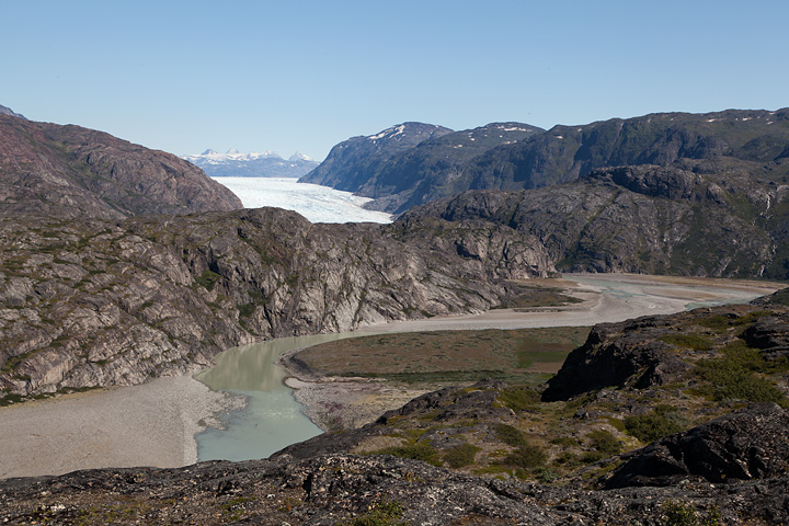 Kiattuut Sermiat and the outwash plains of the glacier from the ridge