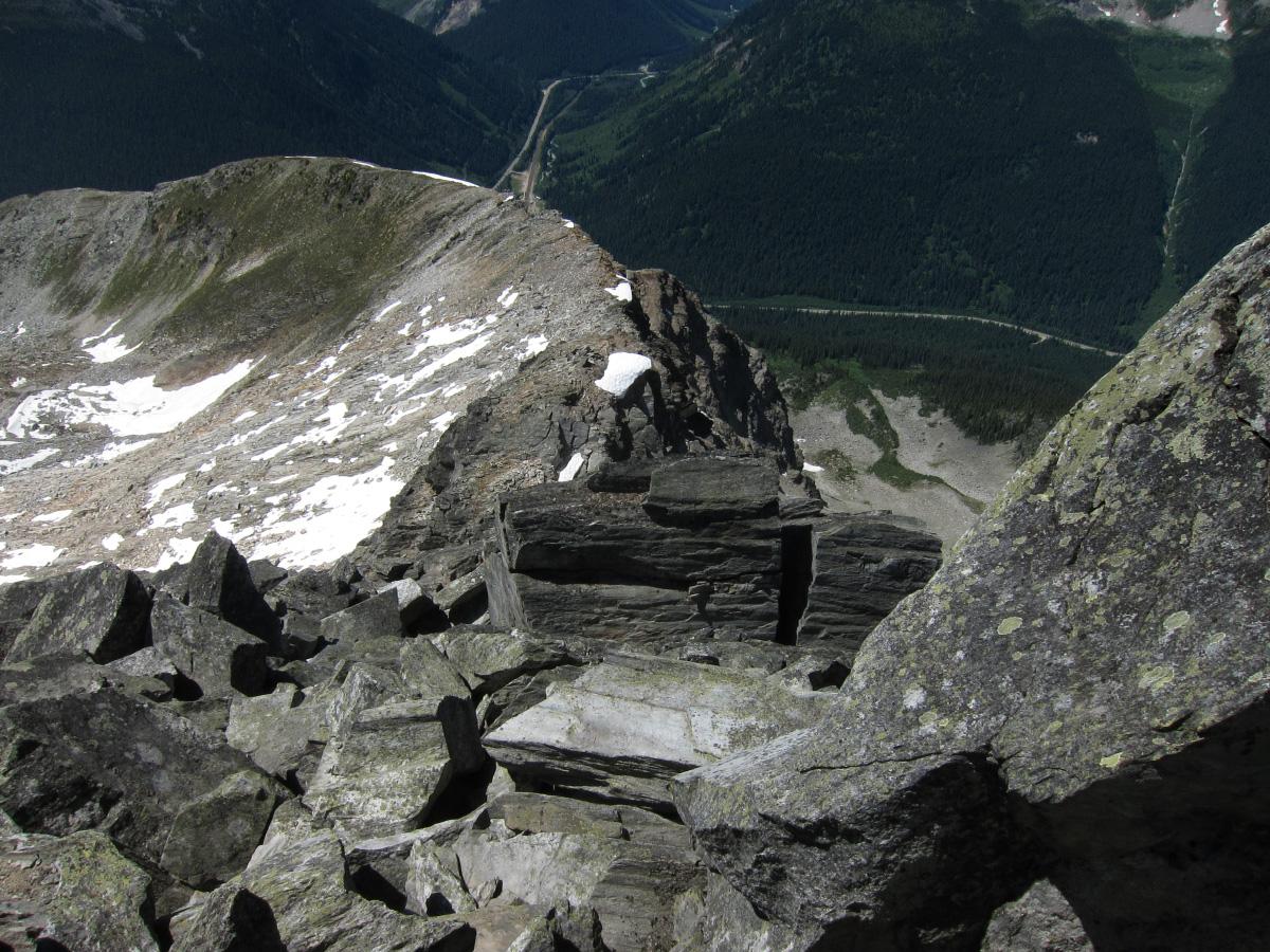 12_descending_ridge